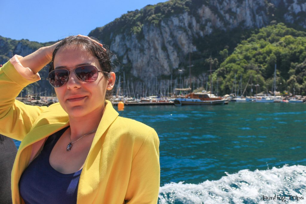 ana-leaving-grande-marina-capri